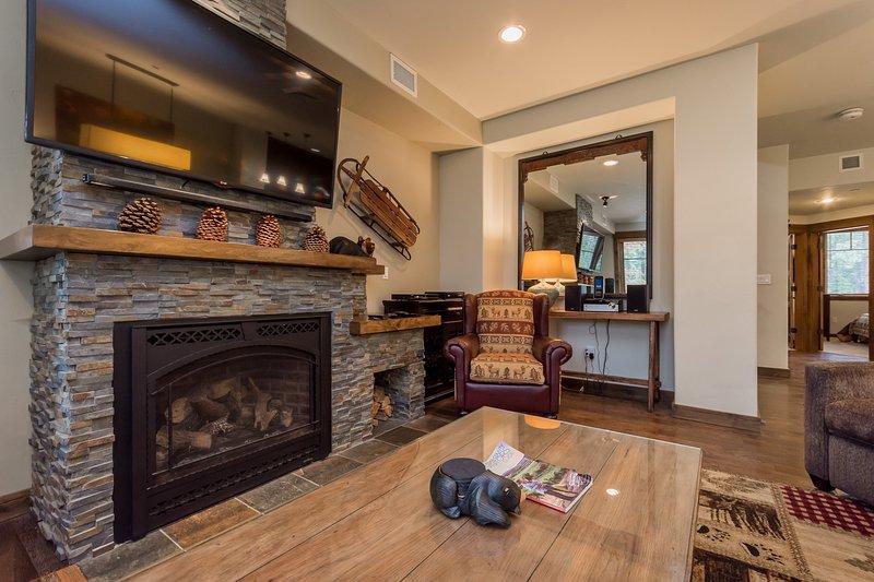 Hardwood,Flooring,Indoors,Living Room,Room