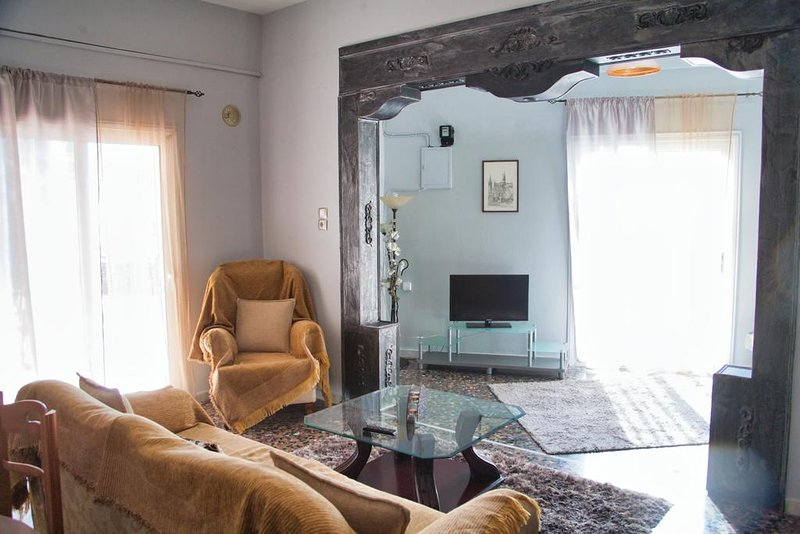 Spacious Double Bedroom Apartment, holiday rental in Olympiada