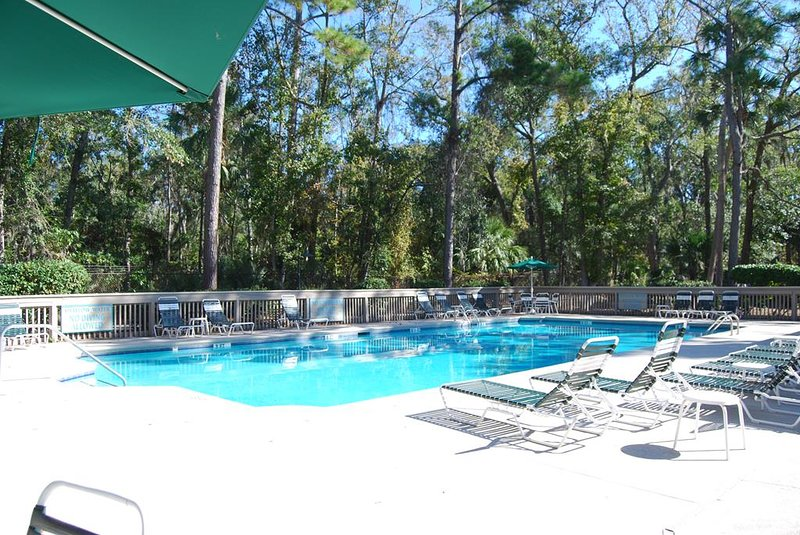 182 Beachwalk pool.JPG