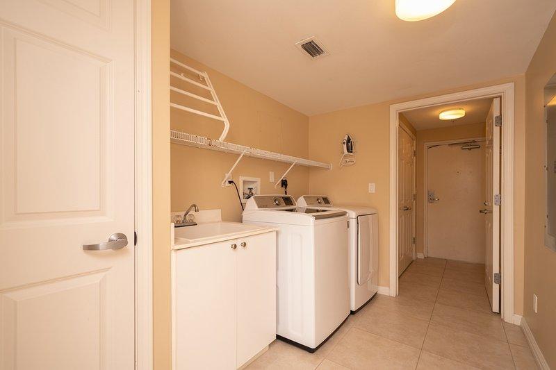Flooring,Floor,Indoors,Room,Furniture