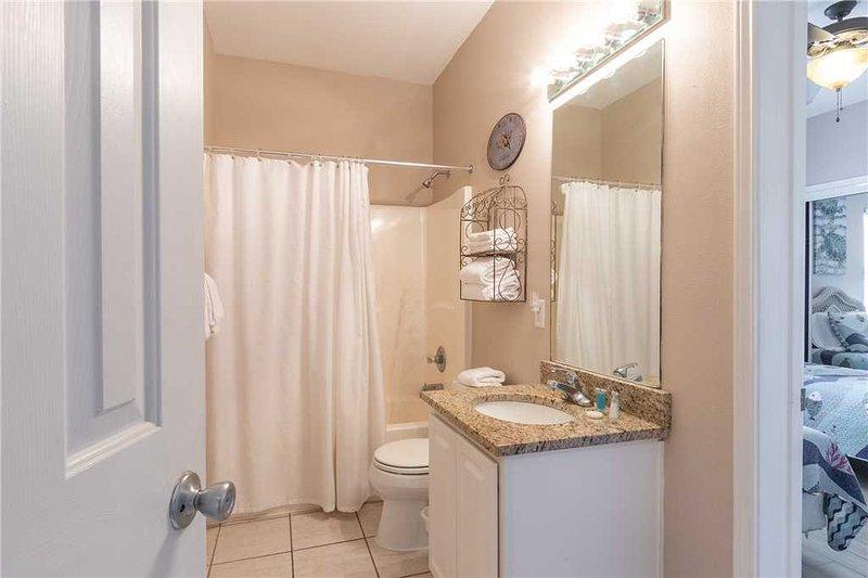 Camera, interna, bagno privato, bagno, Tenda