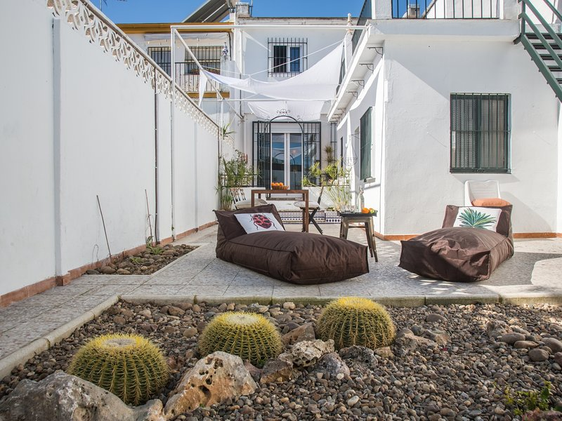 [I09] Excellent house with zen backyard., holiday rental in Valencina de la Concepcion