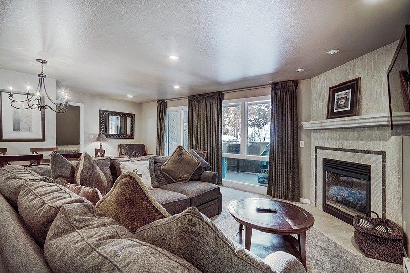 Camera, interni, soggiorno, mobili, divano