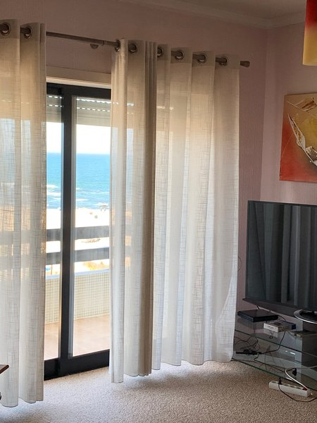 Spacious apt with sea view & Wifi, vacation rental in Povoa de Varzim
