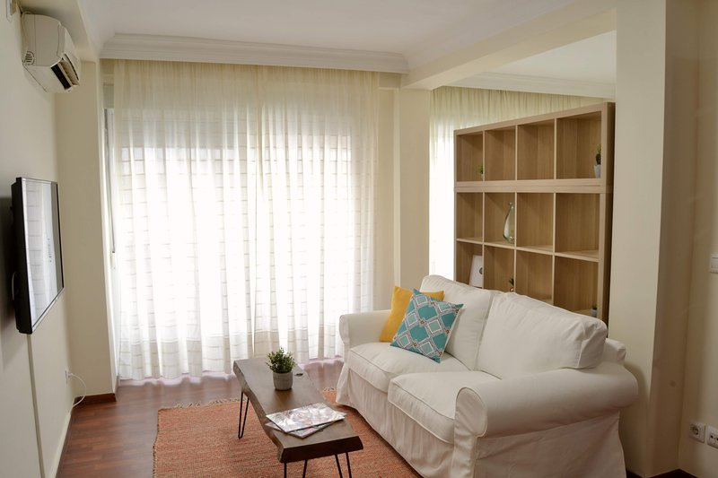 Chic City Center Apartment, holiday rental in Palos de la Frontera