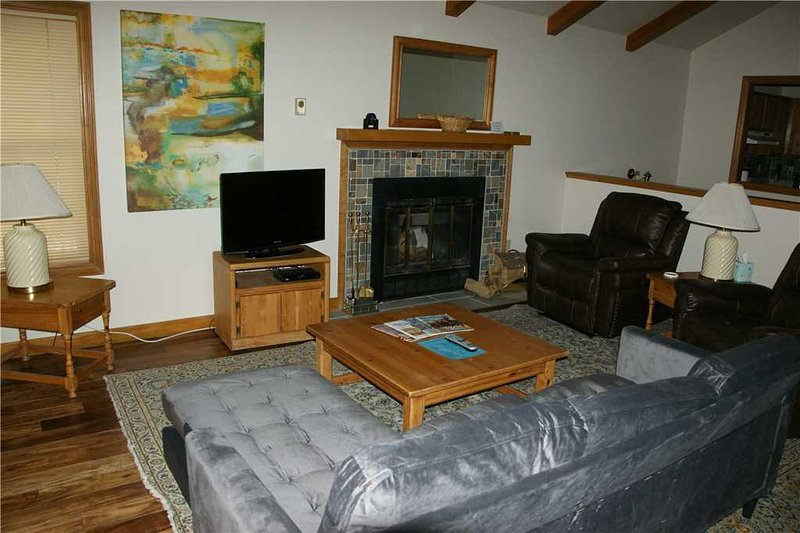 Furniture,Indoors,Living Room,Room,Screen