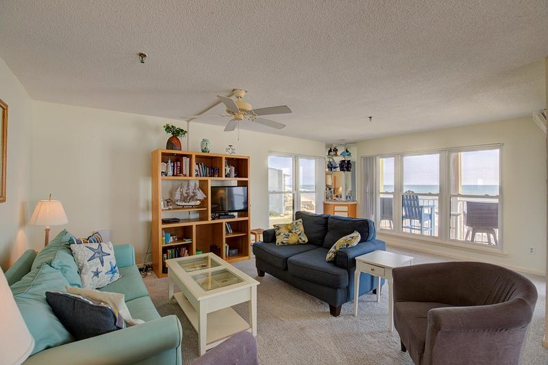 Topsail Dunes 3309 Oceanfront! | Community Pool, Tennis Courts, Grill Area, Elev, vacation rental in North Topsail Beach