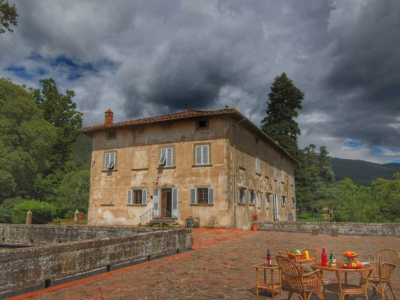 Charming Apartment with a swimming pool in Tuscany, Italy, holiday rental in Contea