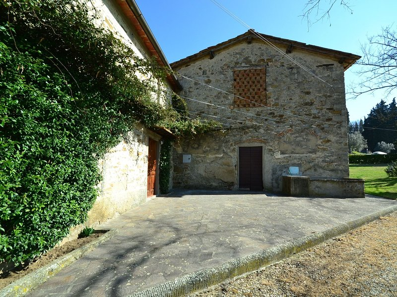 Charming cottage situated on an estate, holiday rental in Rufina