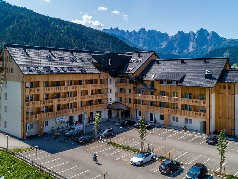 Spacious Apartment with Sauna in Gosau Austria, vacation rental in Gosau