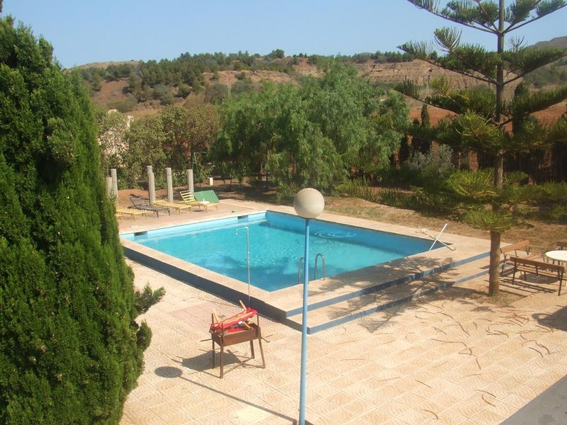 Beautiful house with shared pool, holiday rental in Llano del Beal