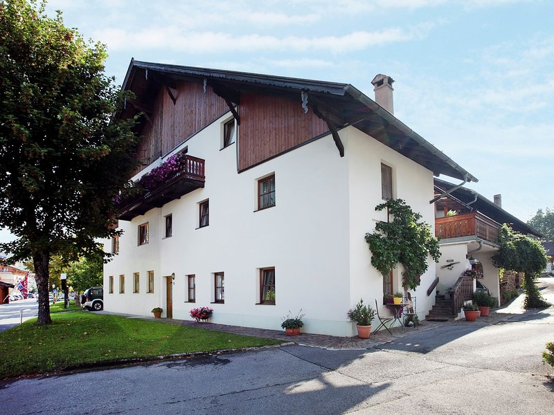 Spacious Apartment in Ehrwald with Balcony, holiday rental in Lermoos