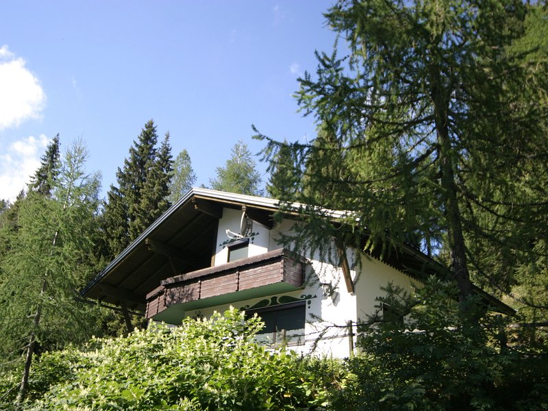 Queitly located chalet near the resort centre of Nassfeld, alquiler de vacaciones en Hermagor