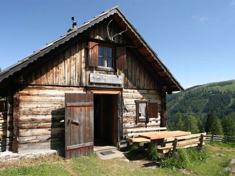 Quaint Holiday Home in Eisentratten near National Park, holiday rental in Baldramsdorf