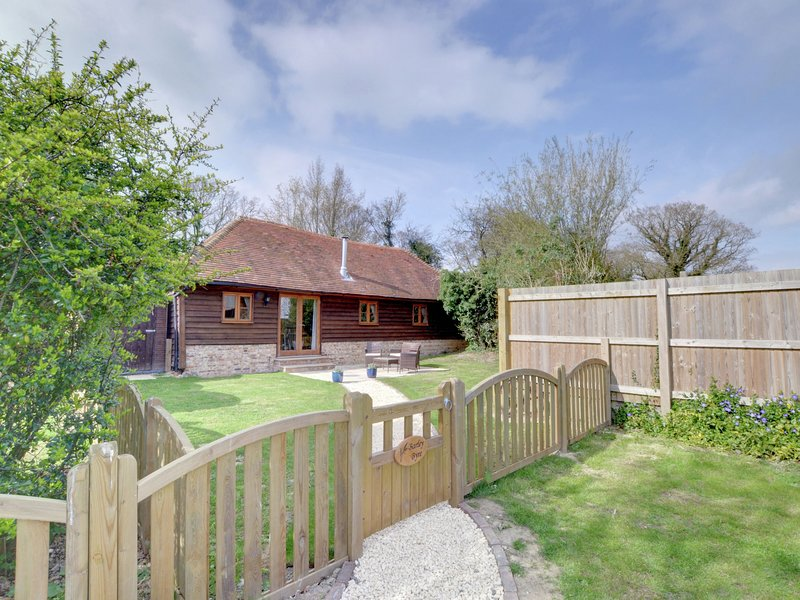 Located just outside the lovely village of Rolvenden, vacation rental in Rolvenden