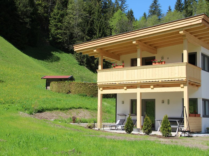 Charming Apartment in Kirchberg with Private Garden, holiday rental in Aschau bei Kirchberg