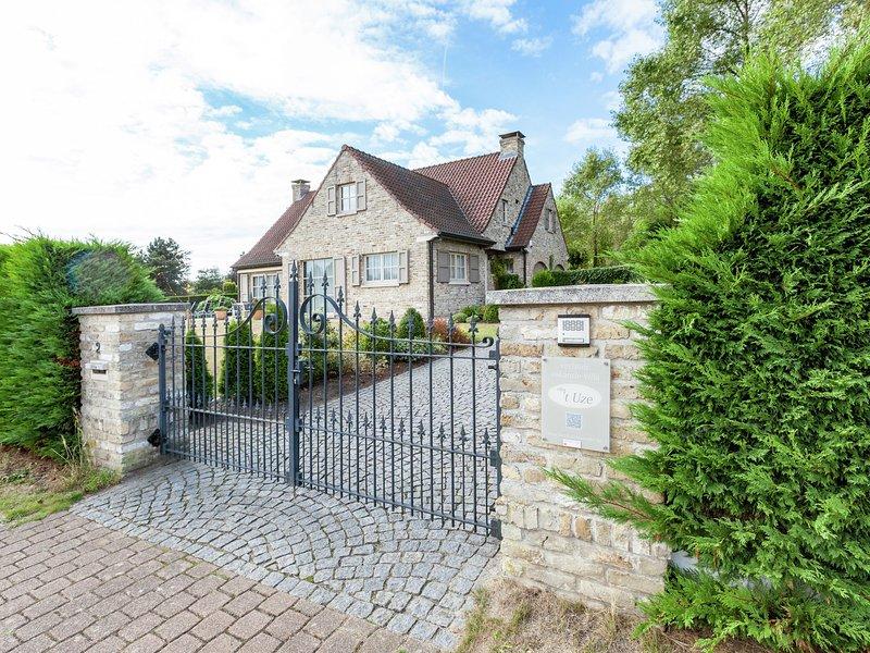 Luxurious Villa in De Panne with Garden, aluguéis de temporada em Ghyvelde