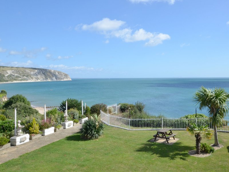 Cozy Holiday Home in Swanage with Balcony, vacation rental in Studland