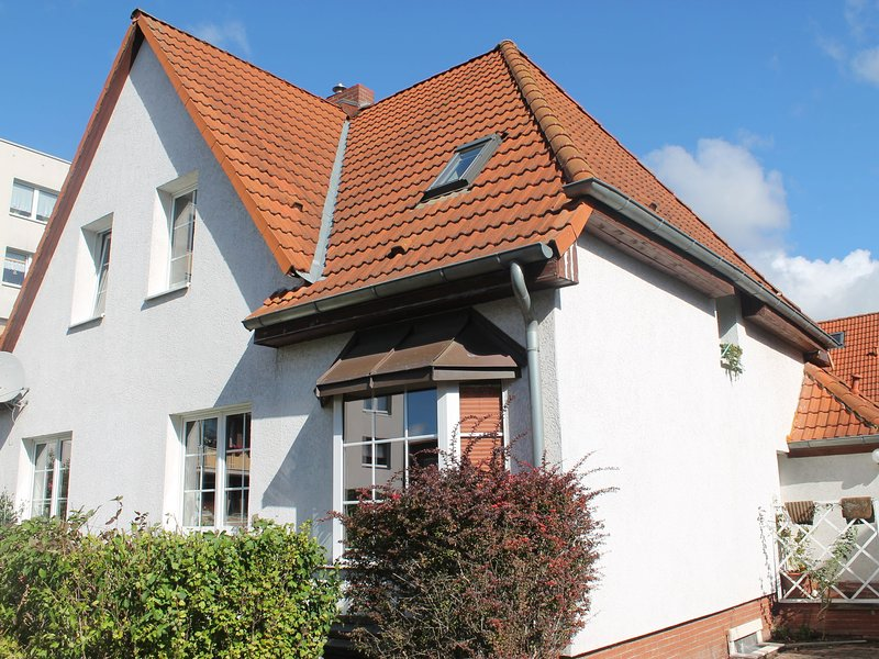 Modern Apartment near Sea in Wismar, holiday rental in Dorf Mecklenburg