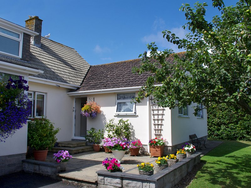 Delightful Holiday Home in Cornwall with Garden, holiday rental in Padstow