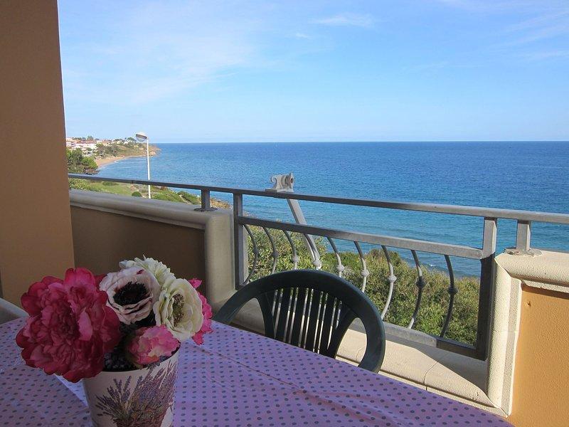 Stunning Sea View Apartment in Capo Rizzuto, alquiler de vacaciones en Isola di Capo Rizzuto