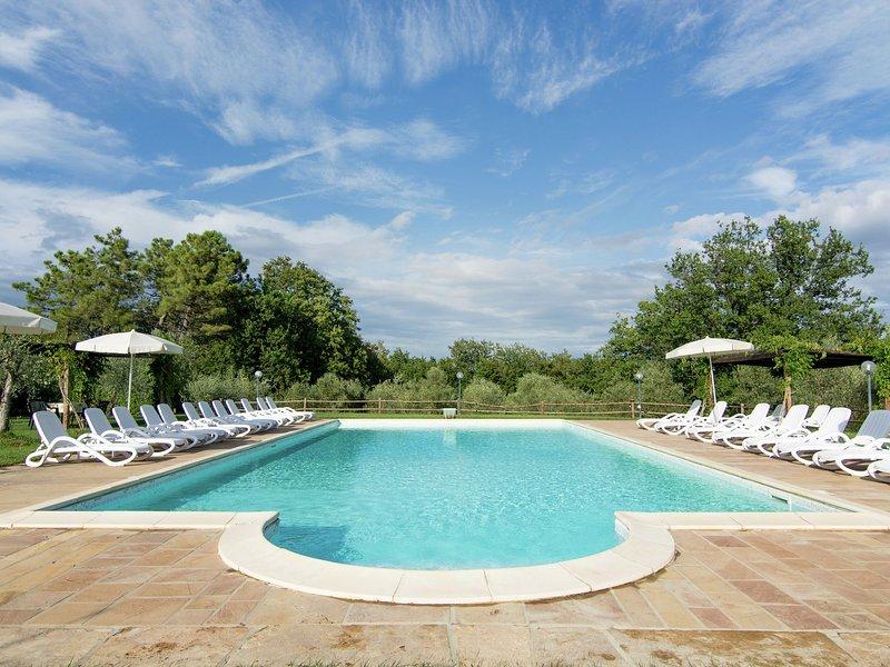 Quaint Farmhouse in Capannoli, with swimming pool, vacation rental in Morrona