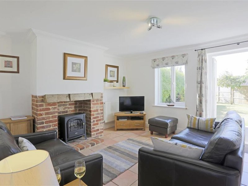 Beautiful Holiday Home in Reydon Anglia with Private Garden, holiday rental in Wrentham