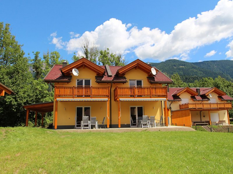 Modern Chalet in Kötschach-Mauthen with Private Terrace, holiday rental in Kotschach