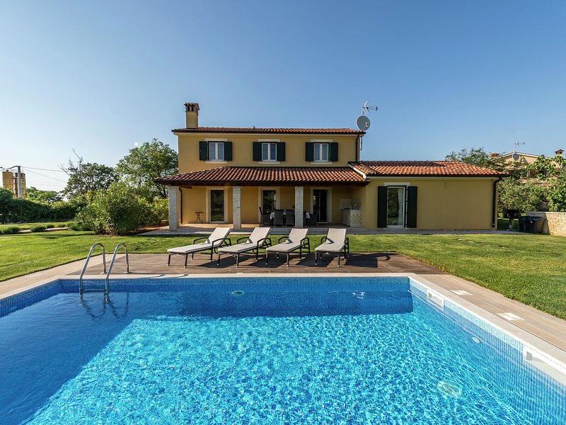 Villa Danelon is ideal place for relaxation near city Porec., vacation rental in Porec