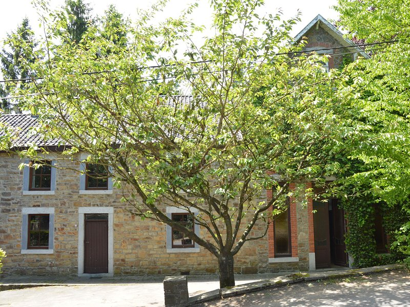 Cozy Holiday Home in La Rouge Minière with Meadow View, vacation rental in Hamoir