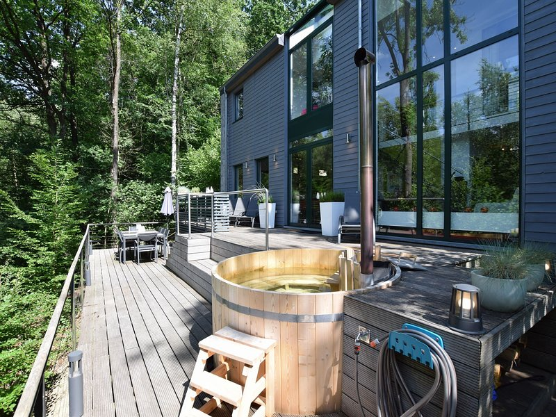 Cozy Villa in Barvaux-sur-Ourthe with Swimming Pool, casa vacanza a Barvaux