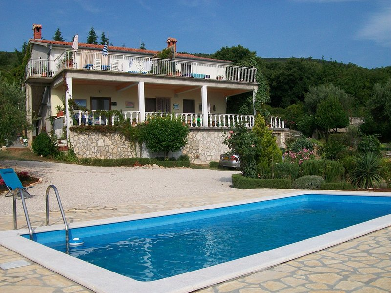 Spacious Apartment in Labin with Swimming Pool, holiday rental in Drenje