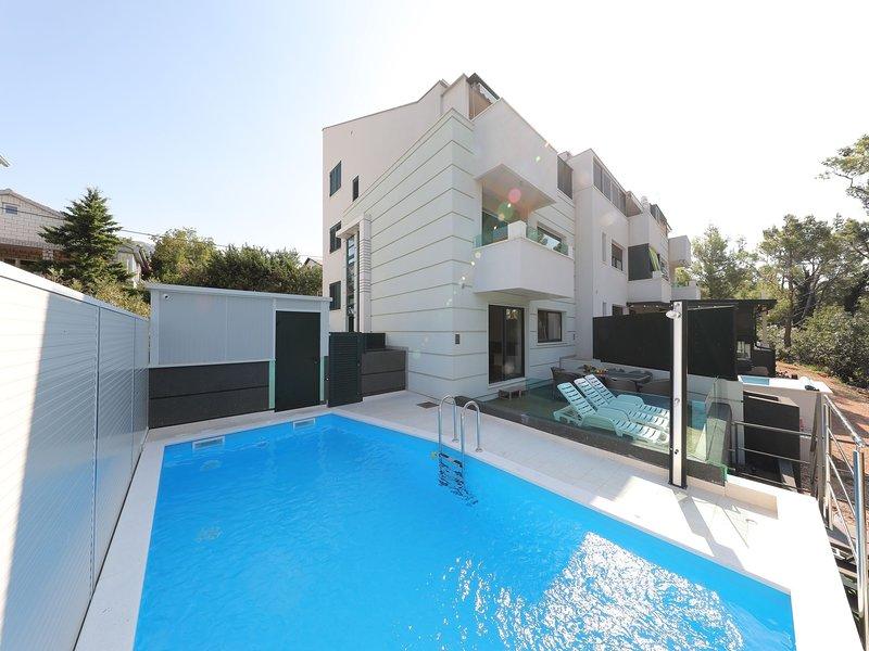 Cozy Villa in Seline with Private Swimming Pool, alquiler vacacional en Seline