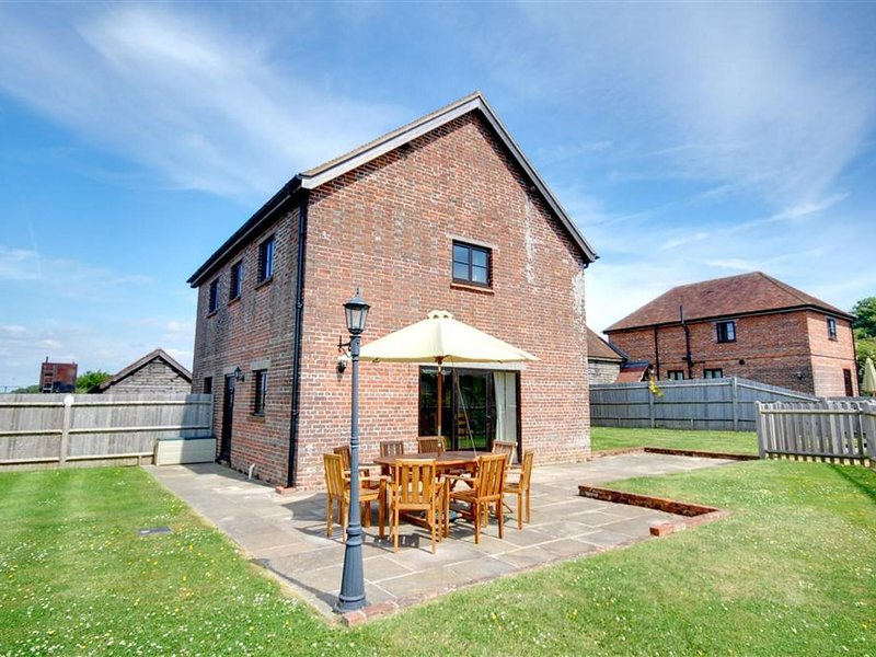 Former Farmhouse in Benenden with Terrace, vacation rental in Rolvenden