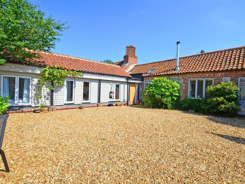 Lovely holiday home in Docking near beach, holiday rental in Thornham