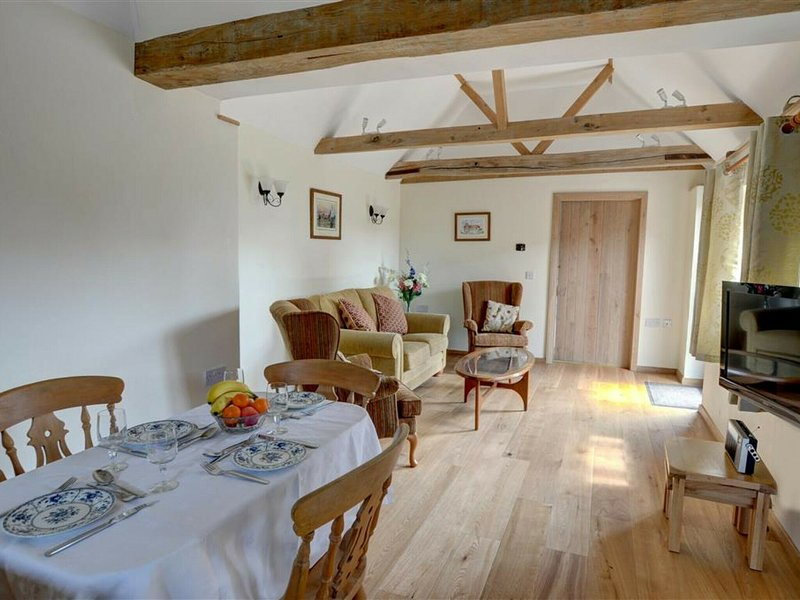 Attractive holiday home with rustic interior on a farm in East Sussex, location de vacances à Ninfield