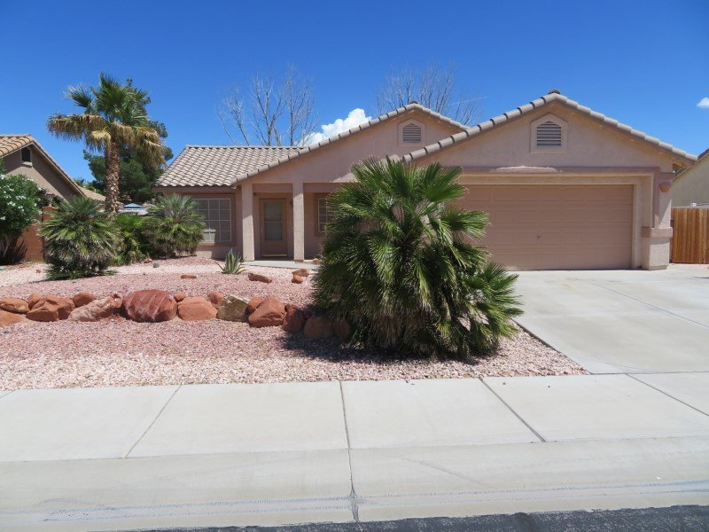 Deluxe Home in Quiet Community Near Golf Courses, holiday rental in Mesquite