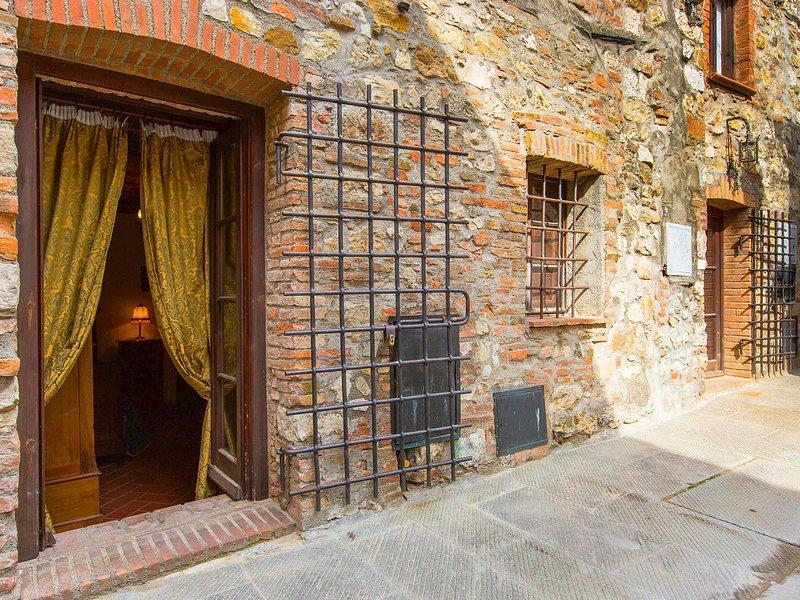 Sleeping in the city wall., alquiler vacacional en Sasso Pisano