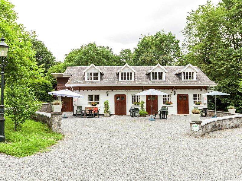 Cozy Apartment near Ourthe River in Bohon, casa vacanza a Barvaux