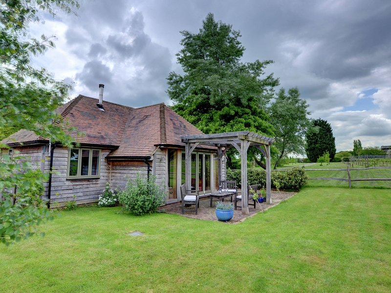 Attractive Holiday Home in Beckley Kent adjacent to Vineyards, vacation rental in Rolvenden