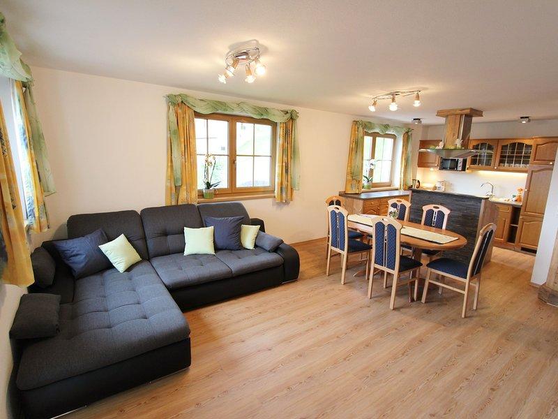 Comfortable Farmhouse in Taxenbach with Garden, location de vacances à Lend