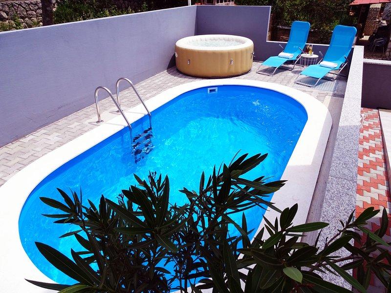 Splendid apartment with swimming pool and Jacuzzi .Sea view ! – semesterbostad i Dramalj