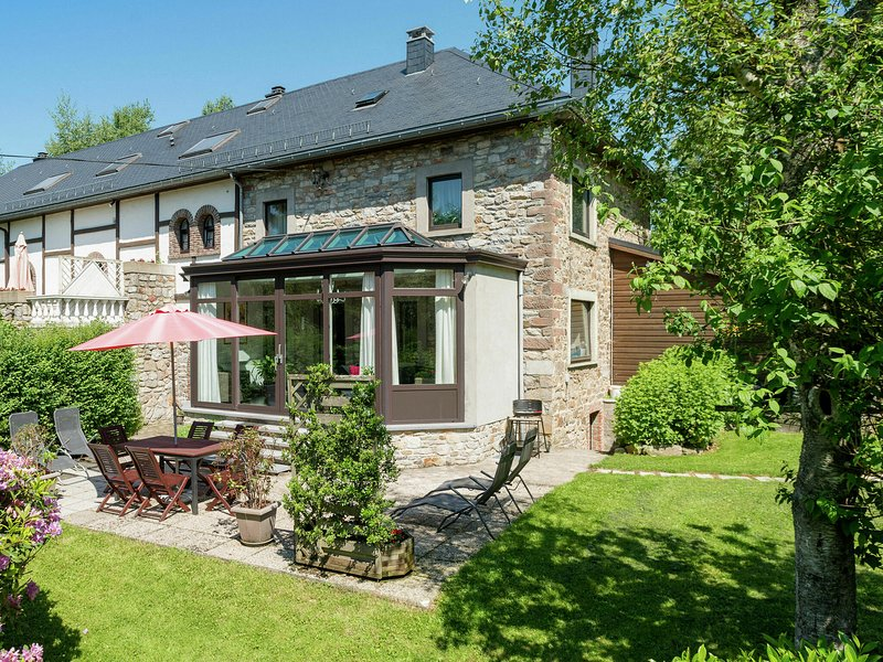 Spacious Cottage in Thirimont near Forest, location de vacances à Ambleve