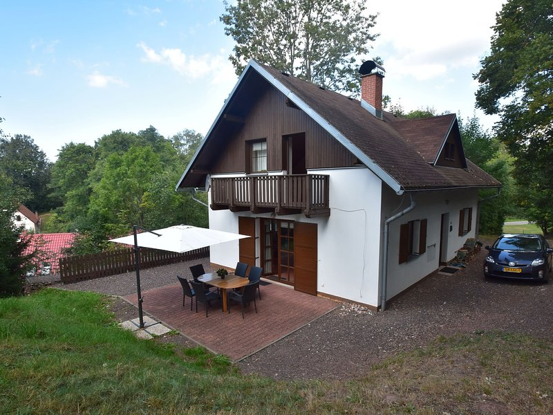Nice, comfortable house in great setting in Javornik, Giant Mountains, location de vacances à Svoboda nad Upou