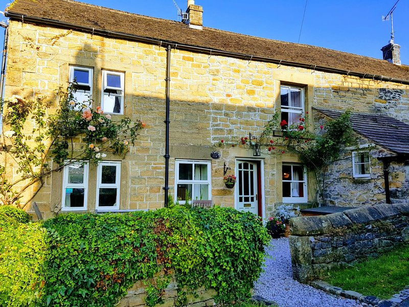 East View, Eyam,Peak District,dog friendly, cosy, traditional, near Chatsworth., location de vacances à Eyam