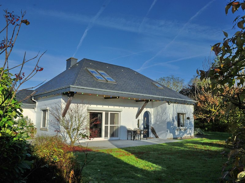 Gorgeous Holiday Home in Durbuy with Barbecue, holiday rental in Durbuy