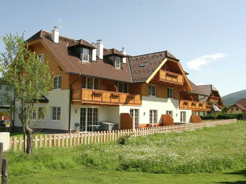 Cozy Apartment in Sankt Margarethen im Lungau near Ski Area, vacation rental in St. Margarethen