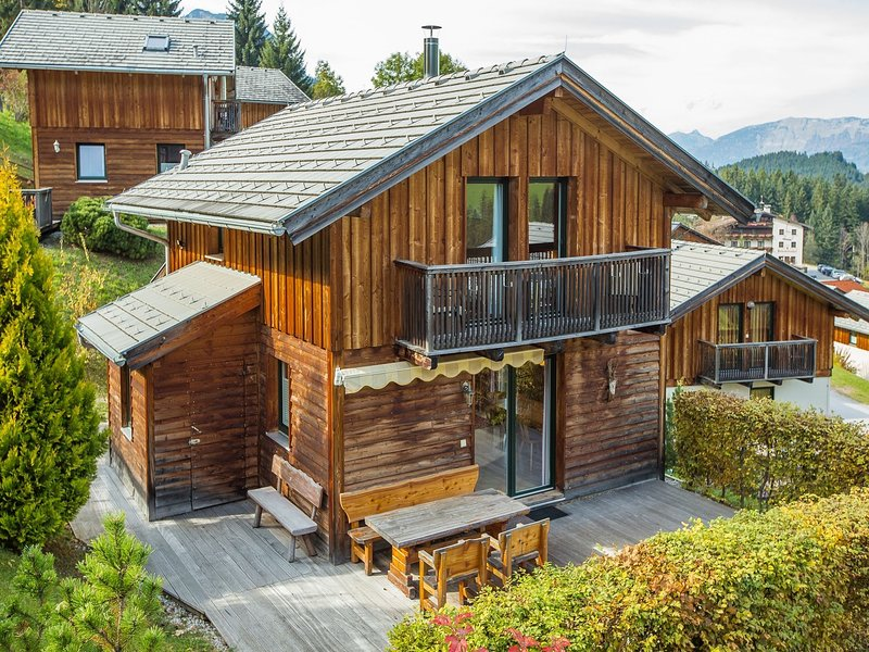 Gorgeous Chalet in Annaberg-Lungötz with swimming pool, holiday rental in Abtenau