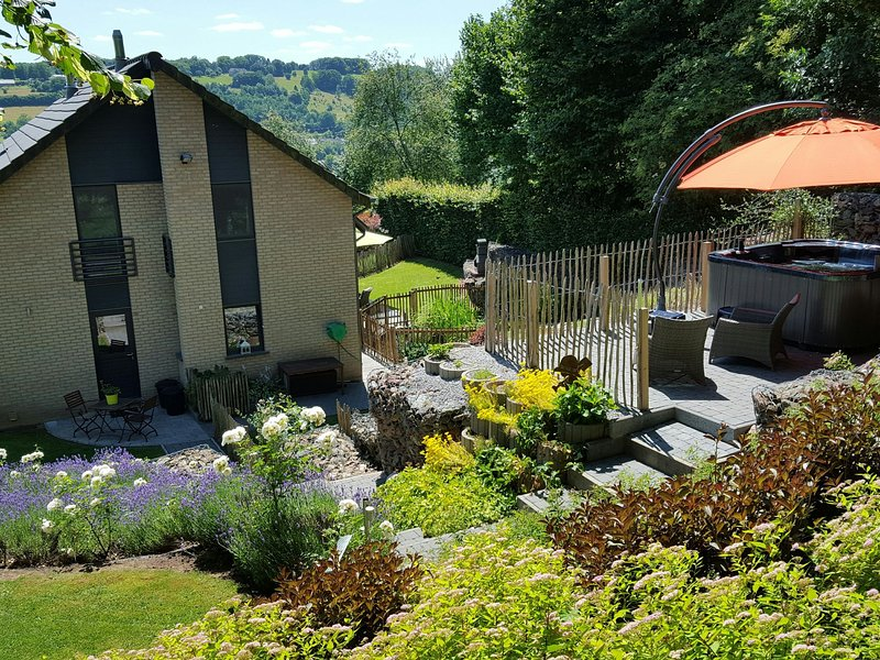 Superb villa on the heights of Malmedy, offering a great level of comfort, holiday rental in Malmedy