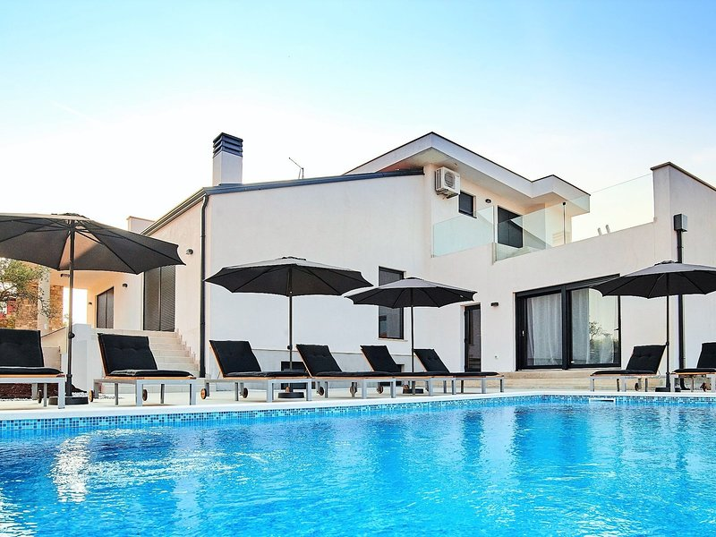 Beautiful Villa in Kaštel Croatia With Swimming Pool, holiday rental in Dragonja